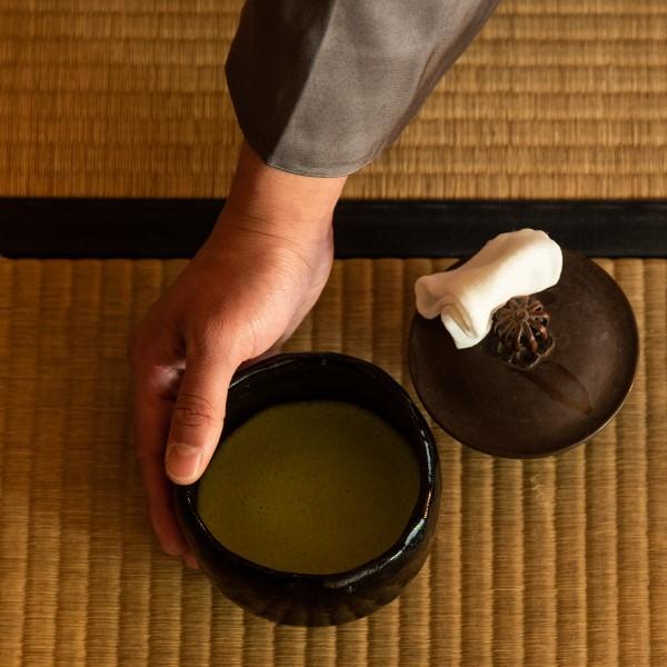 祝!成人式 一生モノの「心の庭」へようこそ。お抹茶サービスします。