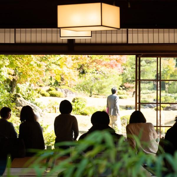 旧京都造形芸術大学×無鄰菴 タイアップ講座「名勝庭園の運営とはぐくみを学ぶ」第3回 一般公開される名勝庭園無鄰菴の運営のあり方の実態と、庭園手入れ実習